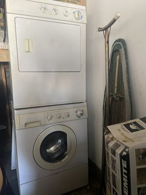 Stackable Frigidaire washer and dryer set for Sale in Fullerton, CA