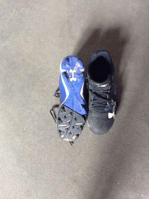 Baseball shoes size 5 for Sale in Sioux Falls, SD