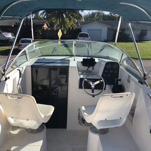 1998 Aquasport Explorer 215 for Sale in Fort Lauderdale, FL