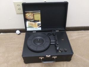 Crosley radio portable turntable, 2003. for Sale in Columbus, OH