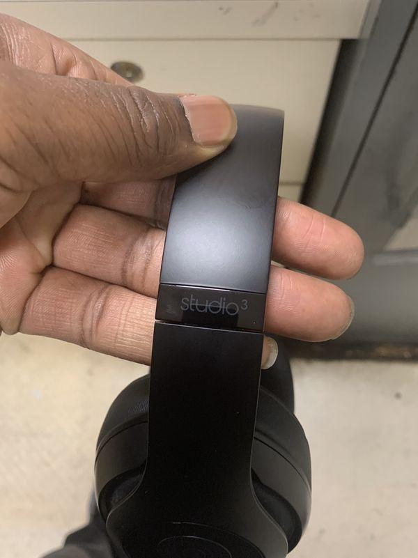 Beats studio 3 wireless latest version with Apple warranty