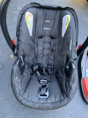 Britax car seat with two bases for Sale in Churchville, NY