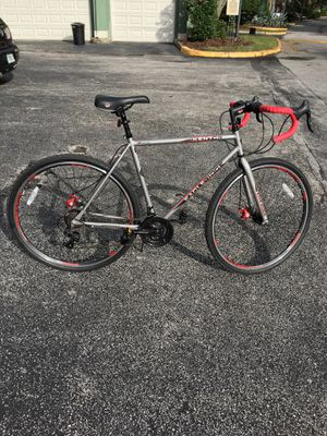 Hybrid Road Bike 22inch Frame 28inch wheels for Sale in Tampa, FL