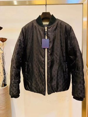 Louis Vuitton Reversible Jacket for Sale in Los Angeles, CA