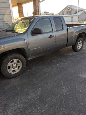 2007 Silverado 1500 extended cab 2wd for Sale in Peotone, IL