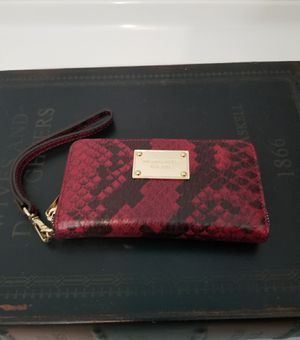 New Michael Kors Leather Wallet for Sale in Jackson Township, NJ