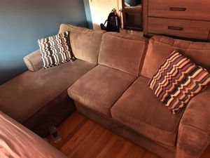 Grey sectional raymour and flanigan couch 800$ for Sale in Brooklyn, NY