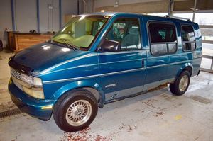 1998 Chevrolet Astro AWD 3dr Extended MiniVan for Sale in Chicago, IL