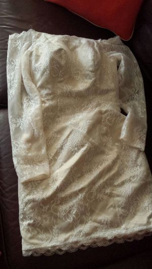 Beautiful bridesmaids gown size 6 for Sale in Nashville, TN