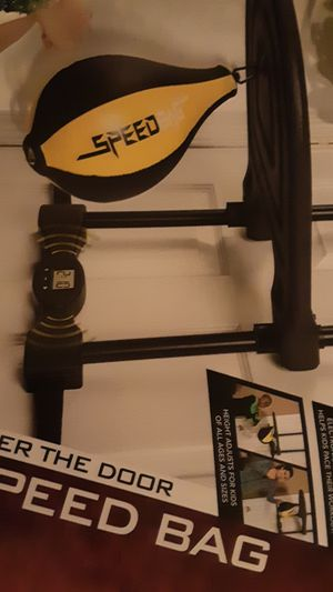 Over door majik speed bag with timer and counter for Sale in Umatilla, OR