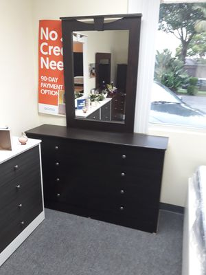 new Compressed dresser with mirror very spacious for Sale in Anaheim, CA