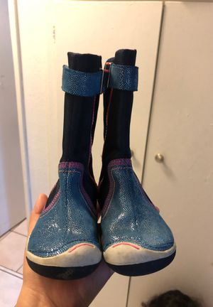 Plae kids girls boots weather boots great for snow or rain size 8.5 for Sale in Whittier, CA