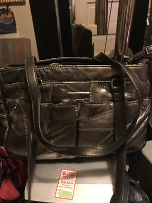 Several different purses/bags for Sale in University City, MO