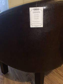 Single Seat Leather Couch for Sale in Boston,  MA