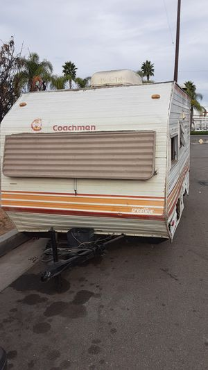 Selling 16 Coachmen Camper trailer for Sale in Buena Park, CA