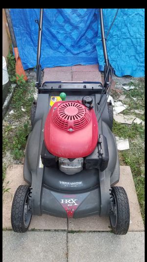 self propelled honda hrx lawn mover 190cc $160 firm for Sale in Pembroke Pines, FL