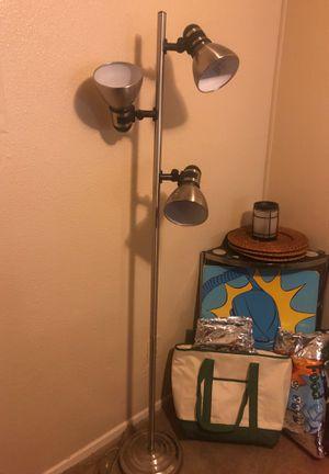 Three bulb floor lamp for Sale in Rollingwood, TX
