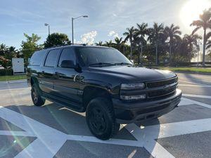 2005 Chevrolet Suburban 4x4 5.3 Flex Fuel lifted for Sale in Miami, FL