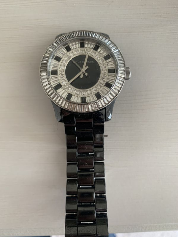 This blinged out Michael Kor's gorgeous watch
