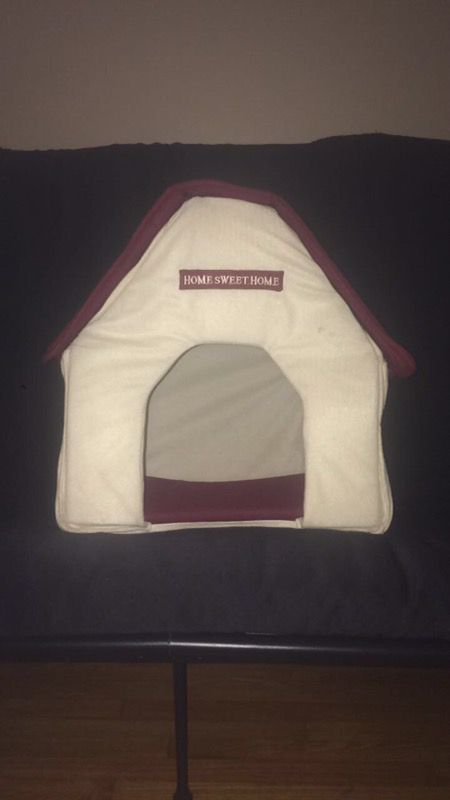 """""""Home Sweet Home"""" indoor dog house"""