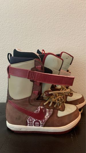 Nike Snowboard Boots (women's 8) for Sale in Fremont, CA