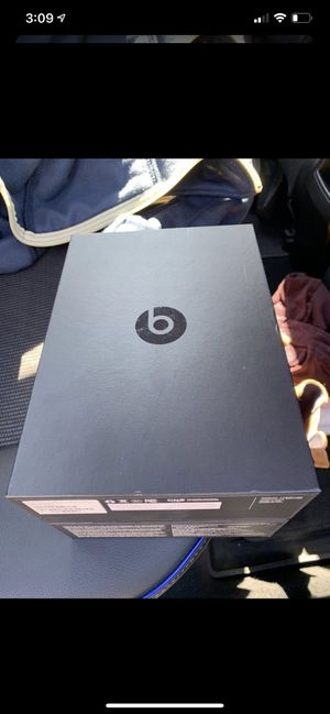 Wireless Beats solo 3 for Sale in Huntersville, NC
