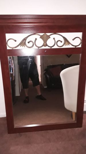 Wall mirror great condition for Sale in Burlington Township, NJ