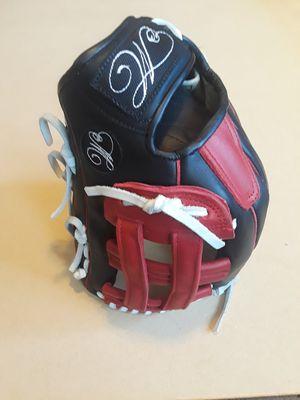 Baseball softball gloves for Sale in Vernon, CA