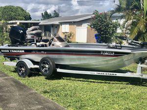 Bass tracker 17.5 Pro Team XT for Sale in Pembroke Pines, FL