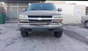 2003 Chevy suburban for parts for Sale in Miami Gardens, FL