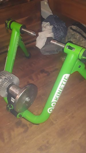 KINETIC BIKE TRAINER W/ BLUETOOTH SENSOR for Sale in Burien, WA