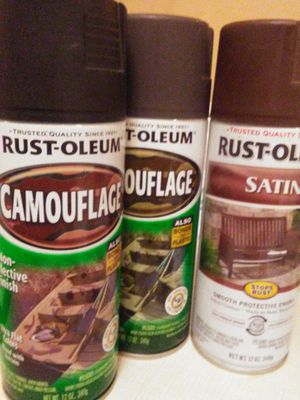 Rust-oleum camouflage Matt finish 2 cans od 2 cans soft black. Bonds to plastic . great for treestands four wheelers camps and hides . one satin for Sale in Clanton, AL