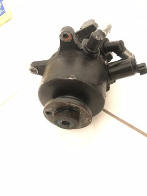 Mercedes Benz Power steering Tandem pump for Sale in Tampa, FL