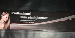 New hair straightener $20 for Sale in Los Angeles, CA