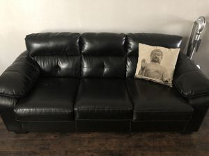 Leather couch for Sale in Colorado Springs, CO