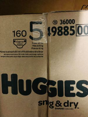 Huggies diapers size 5 Snug Dry for Sale in Downey, CA