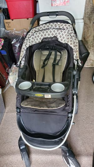 Graco click n' connect stroller for Sale in Harlingen, TX