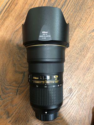 Nikon AF-S FX NIKKOR 24-70mm f/2.8E ED VR Zoom Lens with UV Filter for Sale in Lubbock, TX