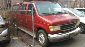 1997 Ford 350 very low miles ONLY 20.000.handycap van new lifting 15 passangers garage keeping for Sale in Queens, NY