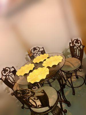 Kitchen Table/Breakfast Nook Table for Sale in Belleville, MI