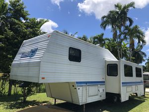 Rvs de 30 pies título en mano 786:327:1327 for Sale in Hialeah, FL