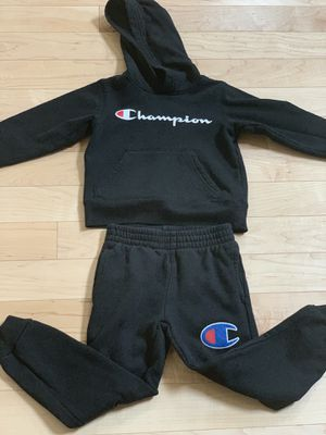 Gently worn Kids Champion sweatsuit size 6 for Sale in Bothell, WA