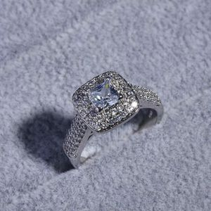 925 Sterling Silver Engagement / Wedding Ring- Solitaire 💍- Code TH21 for Sale in Las Vegas, NV