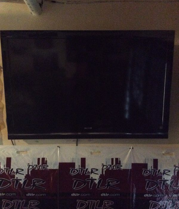 60 inch Sony tv negotiable