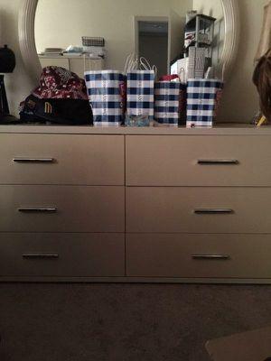 6 pc bedroom set for Sale in Wichita, KS
