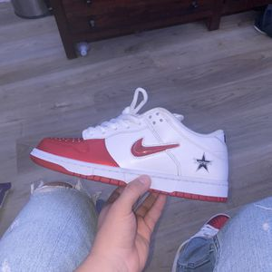 Supreme Sb's Size 10 for Sale in Silver Spring, MD