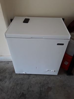 Frezzer and niny refrigerator for Sale in La Vergne, TN