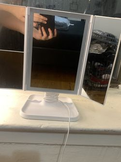 Makeup Mirror for Sale in The Bronx,  NY