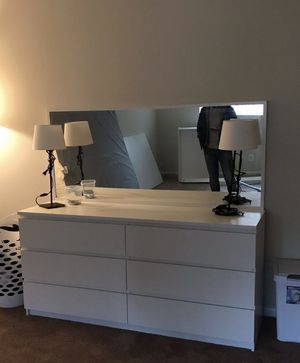 The table + mirror for sale but the drawers are not fixed and some pieces of wood are broken 50$ for Sale in Baltimore, MD