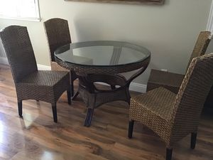Pier one kitchen table for Sale in Fresno, CA
